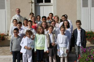 album photos premiere communion dammarie 300x200 - Les  photos des événements de notre paroisse...