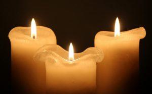 candles 1135017 1920 300x186 - Louange et Prière Ignatienne
