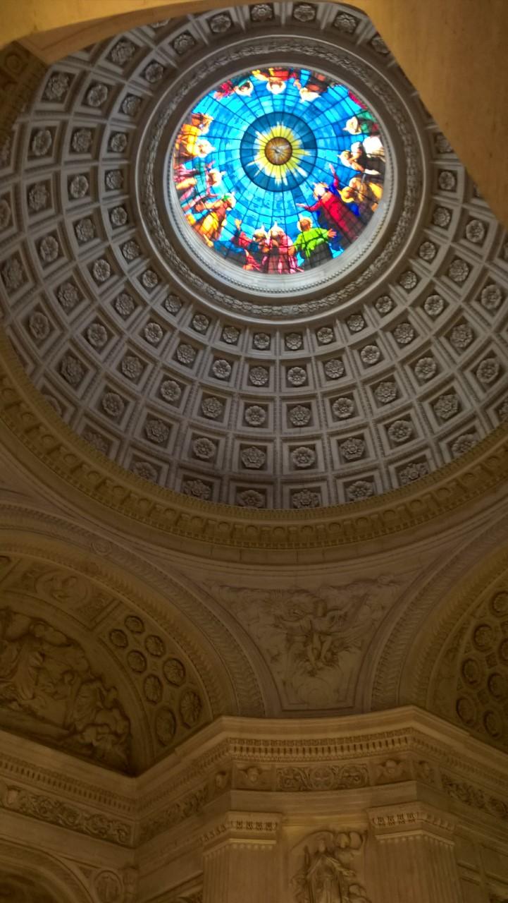 Venue de lEsprit Saint Dôme chapelle royale de Dreux  - Homélie du père Hugues de Tilly pour le 6ème dimanche de Pâques et annonces - 17/05