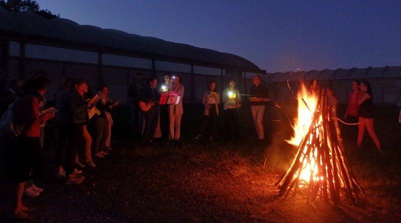 FeuxSaint Jean séminaire des Barbelés1 800x445 - Messe et feux de la Saint Jean - Samedi 27 Juin à 18h30- Séminaire des Barbelés