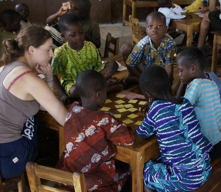 bein association red - Vente de chocolats au profit de l'association humanitaire BE IN