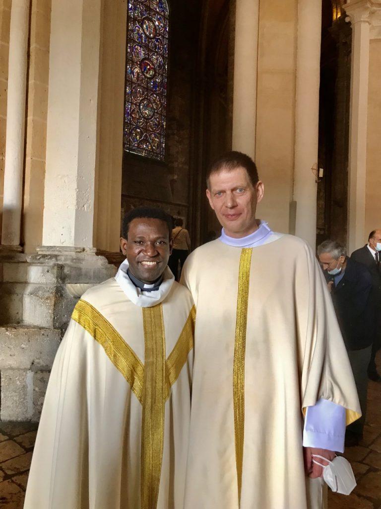 naveau 768x1024 - Ordination diaconale de Bertrand Naveau - 18/09 à la cathédrale avec son curé le Père PAUL