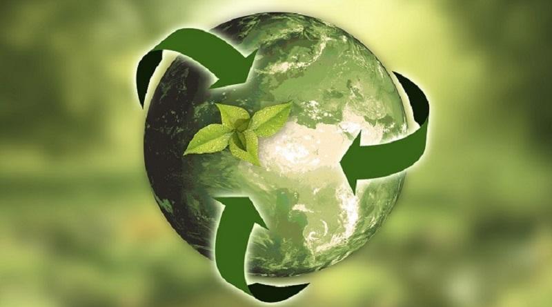 """planete boucle recyclage pixabay - Conférence organisée par le CRC28 : """"Comment être acteur responsable dans une société divisée ?"""" le 21/10 à la Visitation"""